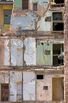 Free Damaged Building Royalty Free Stock Image - 13892416