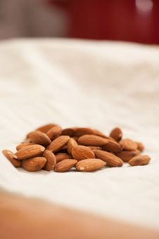 Free Almonds Stock Photo - 13899210