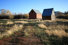 Free Two Barns In A Field Royalty Free Stock Photos - 1391528