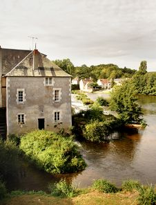 Free Mill On A Tranquil River Royalty Free Stock Photography - 1392647