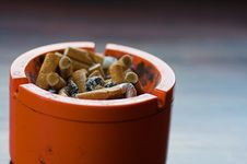 Free Ashtray Royalty Free Stock Images - 1397769