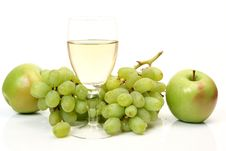 Free Ripe Fruit And Wine Royalty Free Stock Images - 13901869