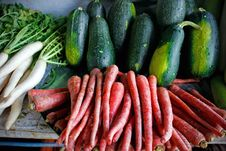 Free Carrot And Radish On Market. Royalty Free Stock Photography - 13902227