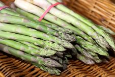 Free Green Asparagus Stock Photography - 13904322