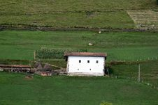 Free Basque Hamlet Of High Mountain. Stock Photos - 13904513
