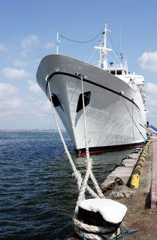 Free Cruise Ship In Port Stock Photos - 13906923