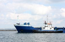 Free Ship Arriving To Port Stock Photos - 13906933