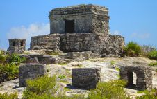 Free Small Temple In Tulum Royalty Free Stock Images - 13907599