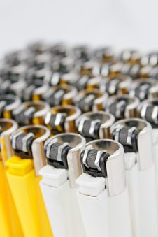 Free Plastic Lighters Stock Images - 13909134