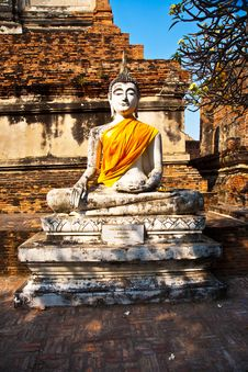 Free Buddha Statue At Temple Of Wat Mongkol Stock Image - 13909141