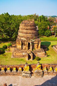 Free Buddha Statues At Temple Wat Yai Chai Mongkol Stock Images - 13909284