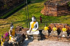 Free Buddha Statues At Temple Wat Yai Chai Mongkol Stock Photo - 13909310