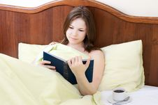 Free Woman In The Bed Stock Images - 13912404