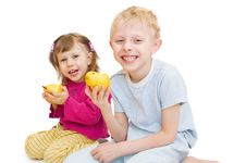 Free Children Eat Pears Stock Photos - 13912963
