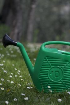 Free Watering Can Royalty Free Stock Images - 13913359