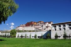 Free Potala Palace Royalty Free Stock Photo - 13914645