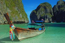 Free Longboat At Maya Bay Royalty Free Stock Photo - 13915765