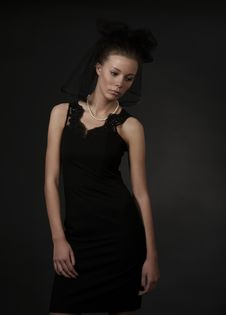 Free Young Woman In Black Royalty Free Stock Images - 13917369