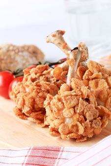 Free Chicken Drumsticks Coated With Corn Flakes Royalty Free Stock Photos - 13918348