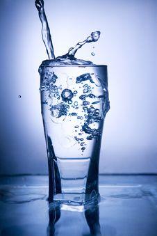 Free Water Splash Royalty Free Stock Photo - 13932415