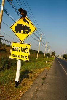 Free Rail Traffic Sign Alertness. Royalty Free Stock Photos - 13936548