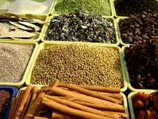 Free Spices Arranged Royalty Free Stock Images - 13937129
