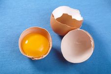 Free Eggs Over Blue Stock Images - 13937794