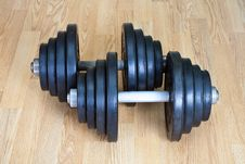 Free Two Dumbbells Royalty Free Stock Photo - 13938225
