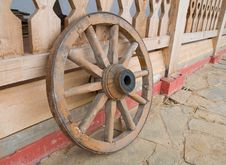 Free Old Wooden Wheel Royalty Free Stock Image - 13938726