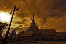 Free Luangpho Phuttha Sothon Stock Photography - 13940182