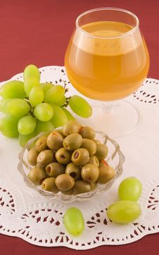 Free Fresh Grapes And Cheese With White Mold Stock Photo - 13941380