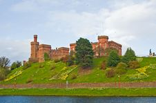 Free Inverness Castle With Daffodils. Royalty Free Stock Image - 13942566