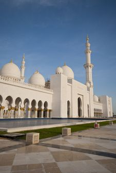 Free Exterior View Of The Mosque Stock Photo - 13942780