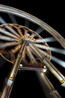 Free Funfair With Spinning Ferris Wheel Royalty Free Stock Images - 13943859