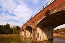 Free English Railway Bridge Royalty Free Stock Photography - 13948877