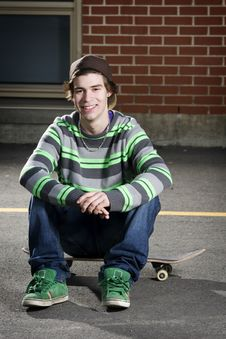 Free Young Skateboarder Smiling For Camera Royalty Free Stock Photo - 13948985