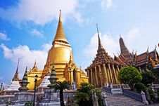 Free Temple Phra Sri Ratana Chedi In The Grand Palace Royalty Free Stock Images - 13951259