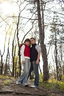 Free Young Couple In A Forest Stock Photography - 13952372