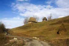 Free Romanian Cottage Royalty Free Stock Images - 13954559