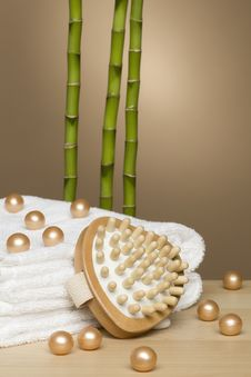 Free Towel, Spa And Bamboo Royalty Free Stock Images - 13956069