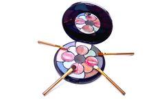 Free Brushes And Eyeshadows Royalty Free Stock Photo - 13967175