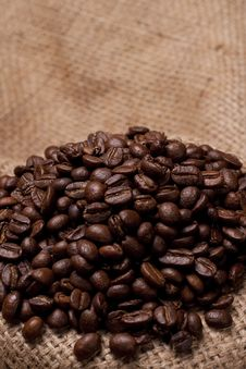 Free Coffe Beans On Burlap Fabric Stock Images - 13967224