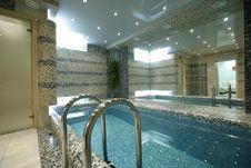 Free Swimming Pool Royalty Free Stock Photos - 13968308