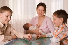 Free Mother With  Sons And Newborn Stock Images - 13968324