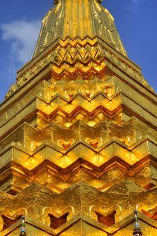 Free Wat Prakaew Golden Stupa Detail Stock Photography - 13970832