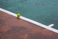 Free Tennis Ball On A Line Royalty Free Stock Photo - 13974735