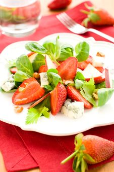Free Salad With Strawberries,gorgonzola Royalty Free Stock Photo - 13974935