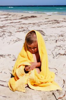 Free Charming Little Girl In A Yellow Stock Photography - 13975212