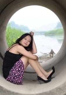 Free Beautiful Asian Girl Sitting Royalty Free Stock Photo - 13975735