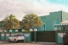Free Modern Suburban Family Houses Stock Image - 13981841